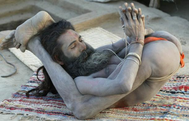 ndia's holy men practising yoga 2