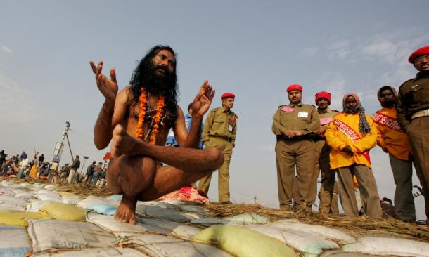 ndia's holy men practising yoga 3