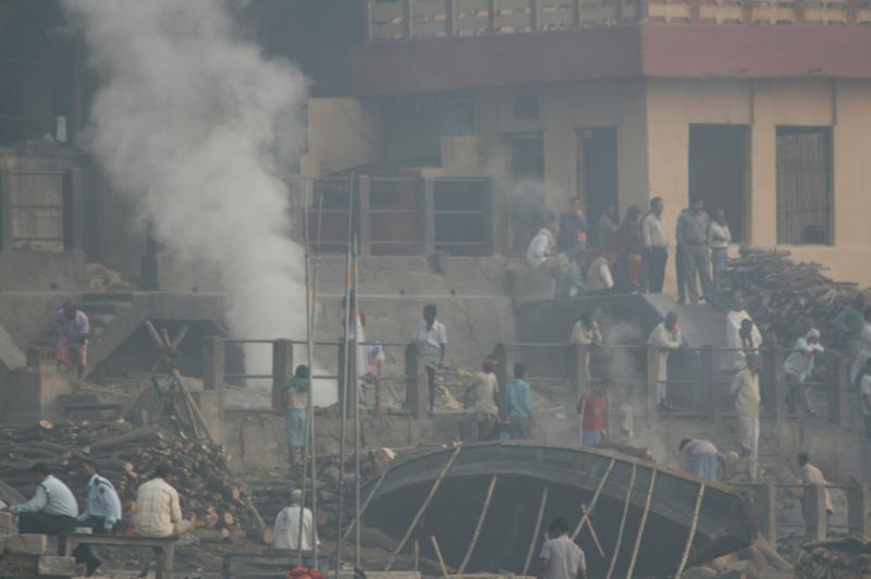 cremation on ganges banks