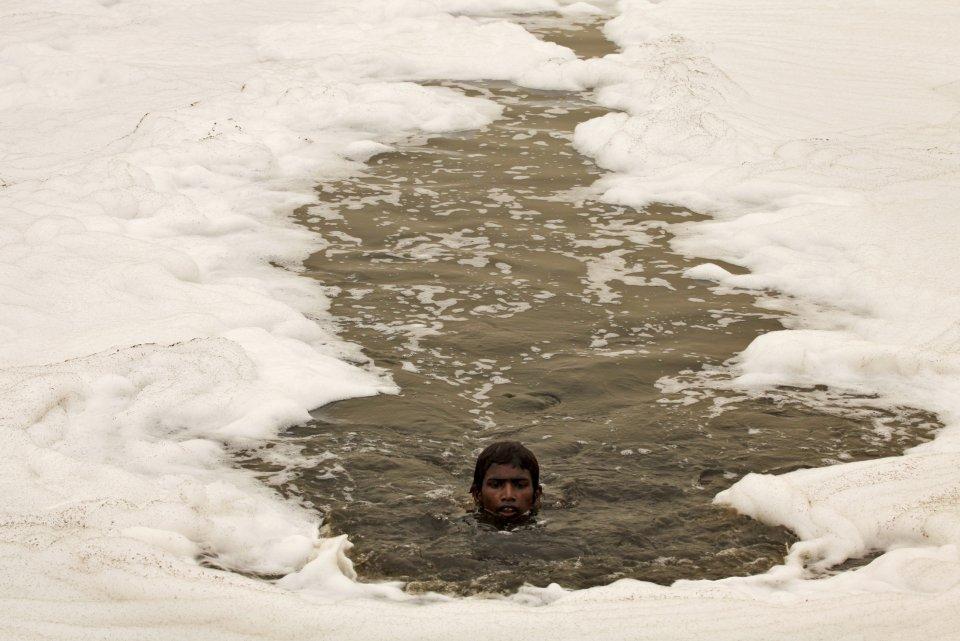 sludgy Yamuna River in New Delhi, India.