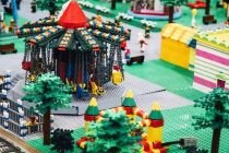 Lego's Plastic Building Blocks to Become 100 Percent Sustainable by 2030