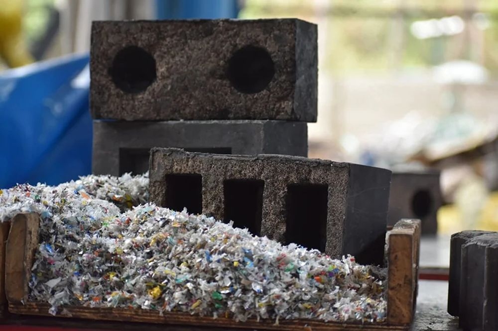 Sustainable Brick Silica Plastic Block is Made from Recycled Plastic and Sand