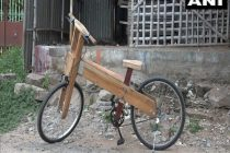 Self-Dependent India: Carpenter Builds Wooden Bicycle amidst Coronavirus Times