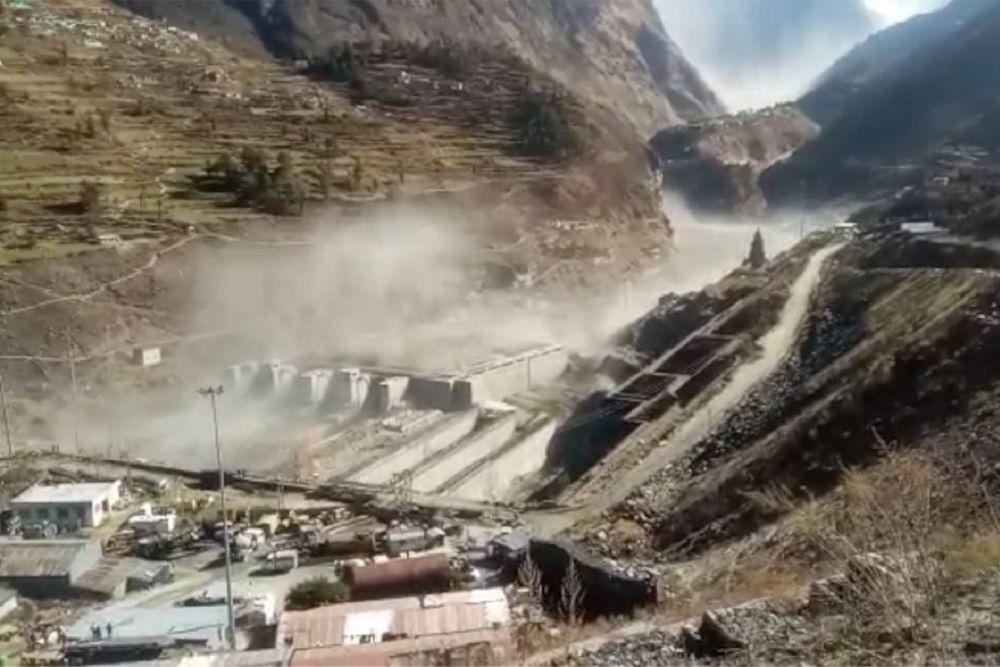 Huge Flood after Uttarakhand Glacier Breaks Off, 14 Dead, 170 Missing