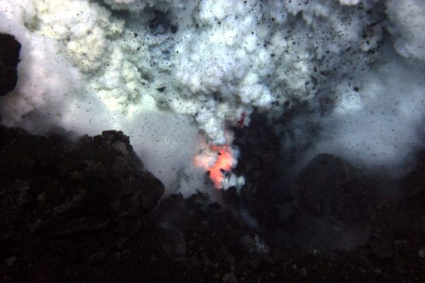 Explosion_near_summit_of_West_Mata_submarine_volcano