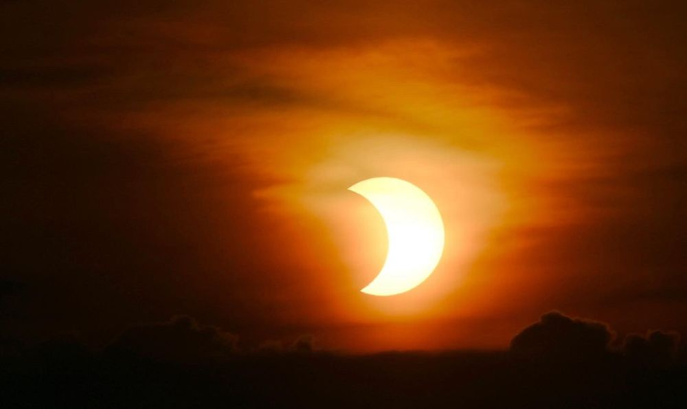 Stunning Pictures of 'Ring of Fire' Solar Eclipse